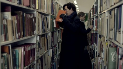 Sherlock-1x02-The-Blind-Banker-sherlock-holmes-and-john-watson-34985013-500-281